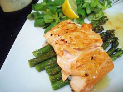 Lemon honey salmon with asparagus