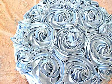 Recipe Chocolate taro buttercream rose cake
