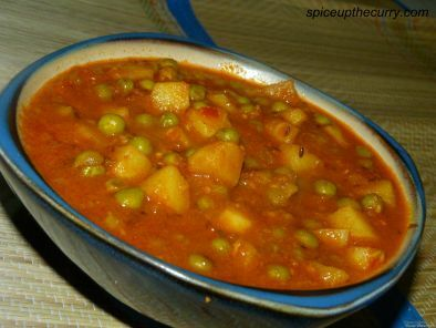 Recipe Aloo mutter (potatoes with green peas)