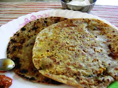 Recipe Gobi paratha (indian bread with spicy cauliflower filling)