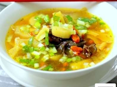 Chinese burdock root & kei chi (wolfberry) soup