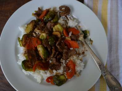 Recipe Steak and brussels sprouts stir-fry