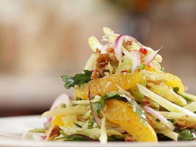 Recipe Traditional tuscan salad with oranges, walnuts and fennel