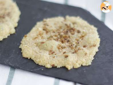 Recipe Parmesan crisps, with spices and herbs - video recipe !