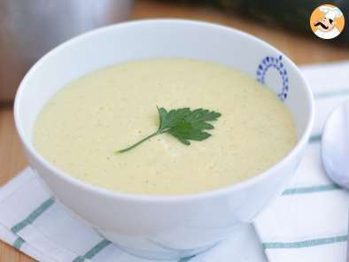 Recipe Zucchini velvet soup - video recipe !