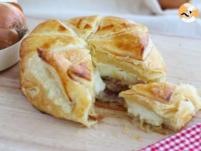 Recipe Flaky camembert with onions and ham - video recipe!