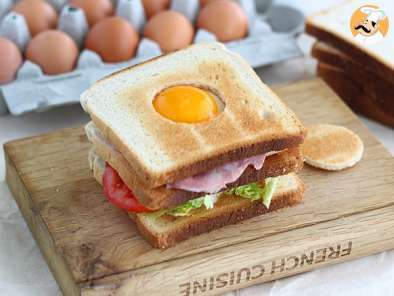 Recipe Club sandwich with an egg - video recipe!