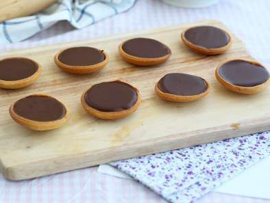 Recipe Caramel and chocolate mini tarts