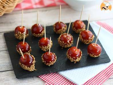Caramelized cherry tomatoes with sesame seeds