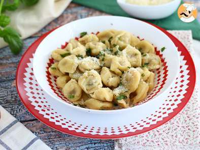 Recipe Tortellinis with parmesan, prosciutto and basil