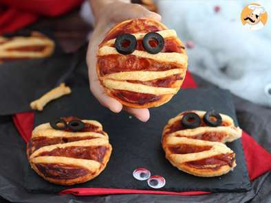 Recipe Halloween flaky mummies
