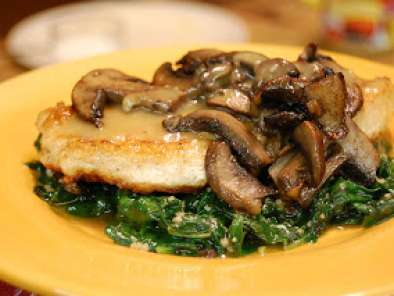 Recipe Pan sauteed chicken and mushrooms with garlic spinach