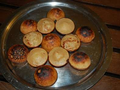 Recipe Rm2- day 17- unniyappam (godda appo in konkani meaning pancake puffs made with jaggery )