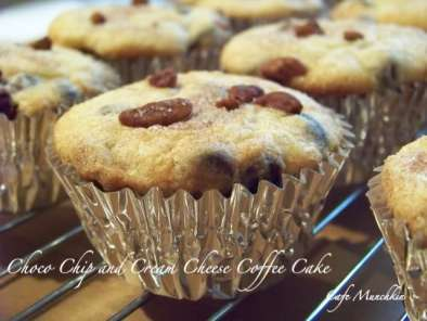 Recipe Chocolate chip and cream cheese coffee cake