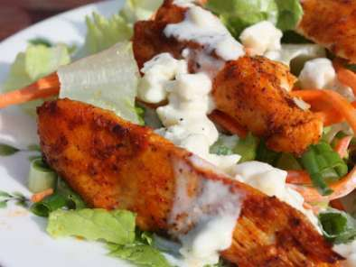 Recipe Buffalo chicken salad with blue cheese dressing