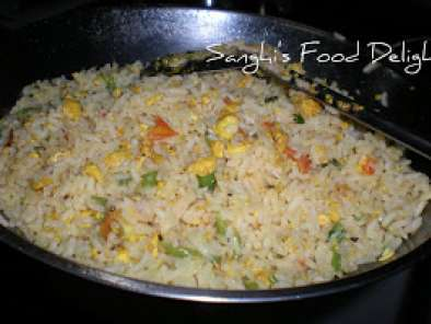 Recipe Tomato egg fried rice, egg dhal curry & an evening snack..!!