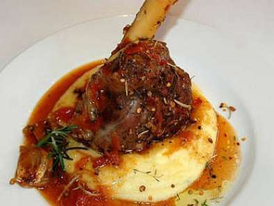 Recipe Lamb shanks on creamy polenta