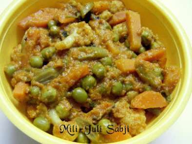 Recipe Mili-juli sabji~mixed vegetables in onion-tomato gravy