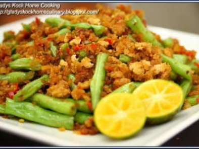 Recipe Stir-fry french bean with minced meat and preserved radish recip