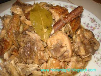 Recipe Paksiw na lechon manok (roast chicken stew in vinegar)