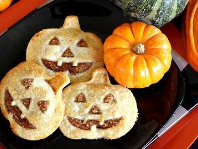 Recipe Jack o? lantern hand pies with pumpkin date filling
