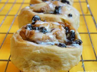 Recipe Sticky, chewy, nutty chelsea cinnamon rolls