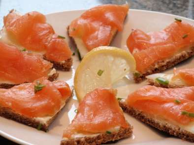 Recipe Christmas appetizer: irish smoked salmon (fresh off the plane)