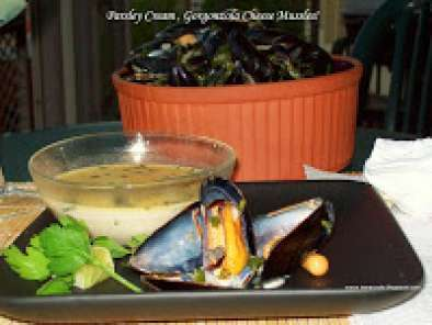 Recipe Mussels in creamy gorgonzola sauce