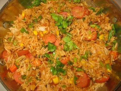 Recipe Fried rice with ikan bilis (nethili karuvadu)