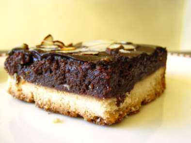 Recipe Triple-layer almond shortbread brownies