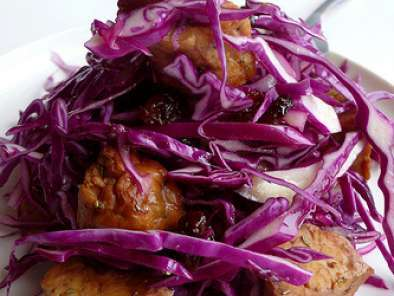 Recipe Red cabbage with tempeh cubes