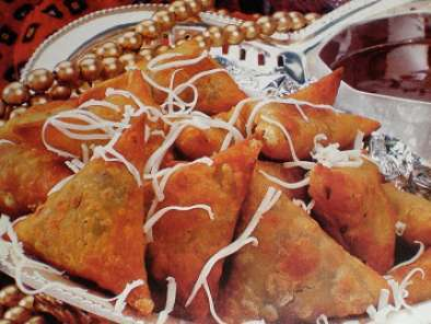 Recipe Onion and cheese samosa
