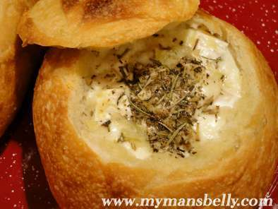 Recipe Four b?s baked bread brie bowl