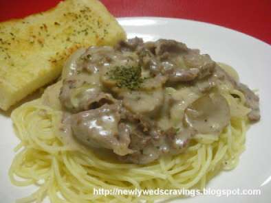 Recipe Pasta: beef and mushroom in white sauce