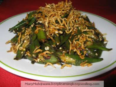 Recipe Okra and anchovies stir fry