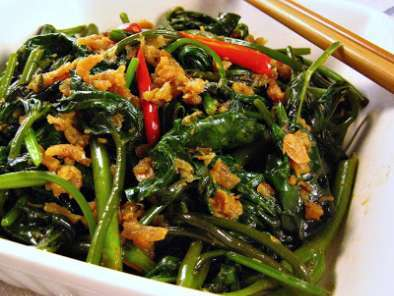 Recipe Stir fried spicy sweet potato leaves