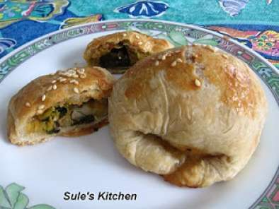 Recipe Leek filled puff pastry (pirasali borek)