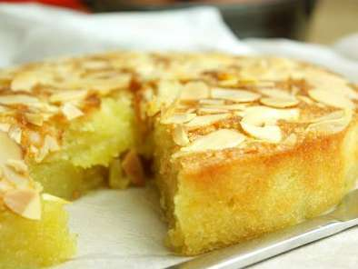 Recipe Buttery almond and coconut cake