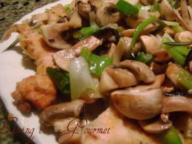Recipe Turkey breast strips with sautéed scallions and mushrooms