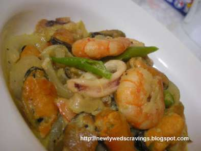 Recipe Spicy mixed seafood curry