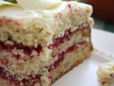 Recipe White chocolate raspberry macadamia cake