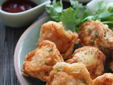 Recipe Crispy stuffed tofu puffs - snack to watch the ball goes by...