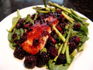 Recipe Arugula, asparagus, and salmon with blackberry glaze