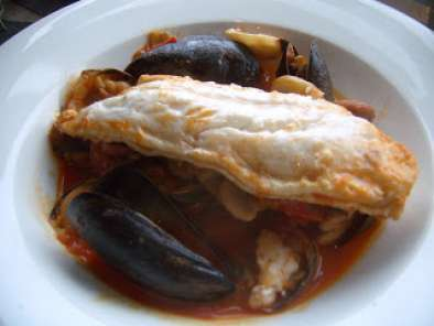 Recipe Hake with clams, mussels and chorizo