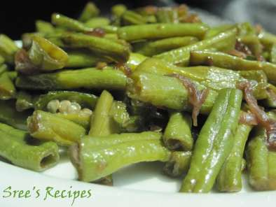 Recipe Payar mezhukkupuratti/long beans stir fry