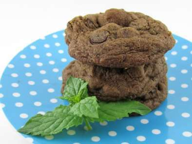 Recipe Chocolate mint cookies with fresh mint leaves