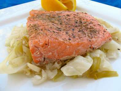 Recipe Salmon with braised leeks & cabbage