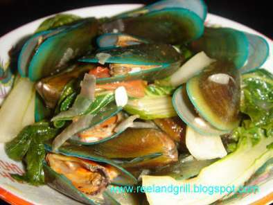Recipe Ginisang tahong (sauteed asian green mussels)