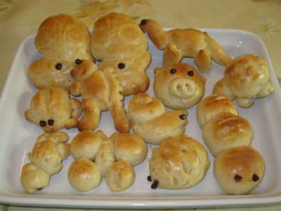 Recipe Fun animals and cocktail sausage mini buns