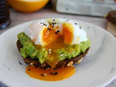 Avocado toast with poached egg, photo 2